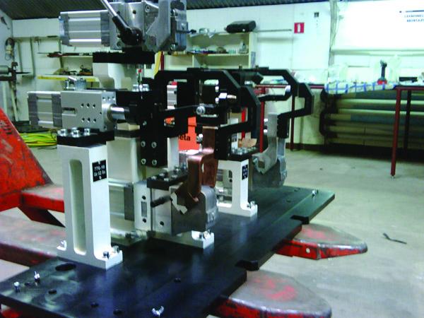 Przyrządy do zgrzewania elementów karoserii samochodowek